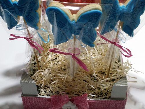 Cassettina porta biscotti-stecco decorati con pasta di zucchero