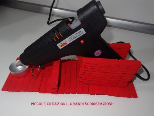 Porta pistola colla a caldo con mollette