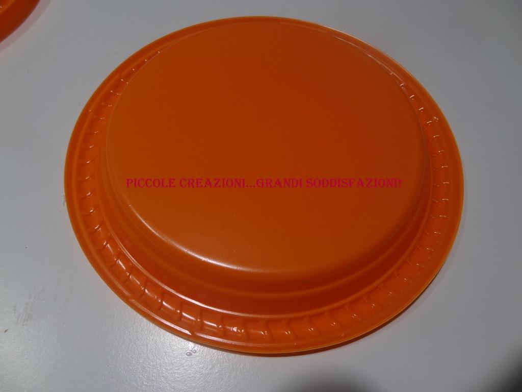 Festone zucca con piatti e cannucce di plastica piccole creazioni grandi soddisfazioni - Piatti plastica ikea ...
