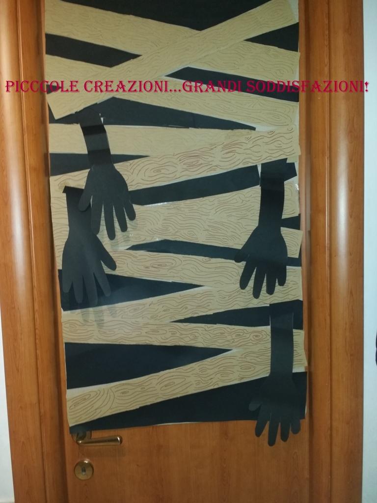 Come rivestire una porta per Halloween