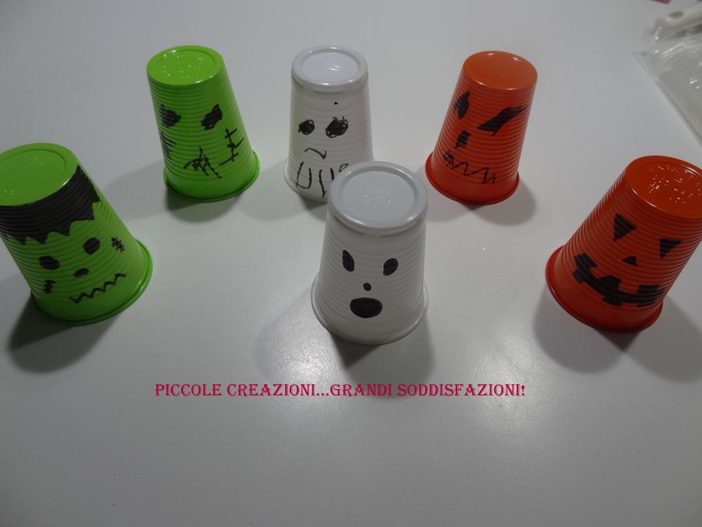 Lanterne con bicchieri di plastica piccole creazioni for Sfere con bicchieri di plastica
