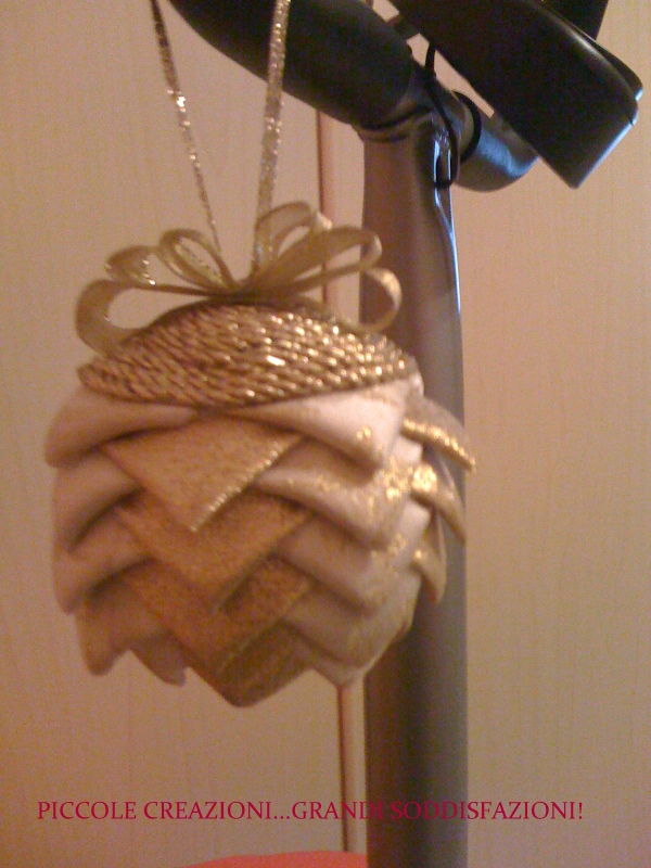 Palla-pigna di Natale col patchwork