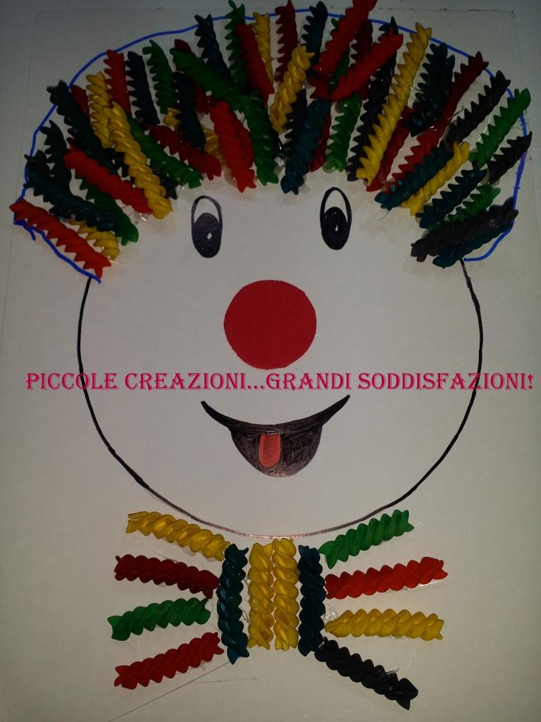 Pagliaccio Di Carnevale Con Pasta Colorata Piccole Creazioni