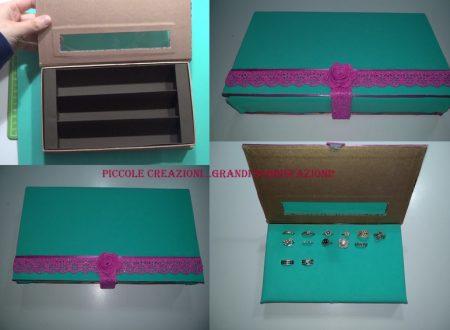 Porta anelli con una scatola di cioccolatini riciclata