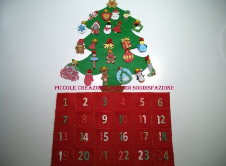 Calendario dell'avvento con albero di Natale da decorare