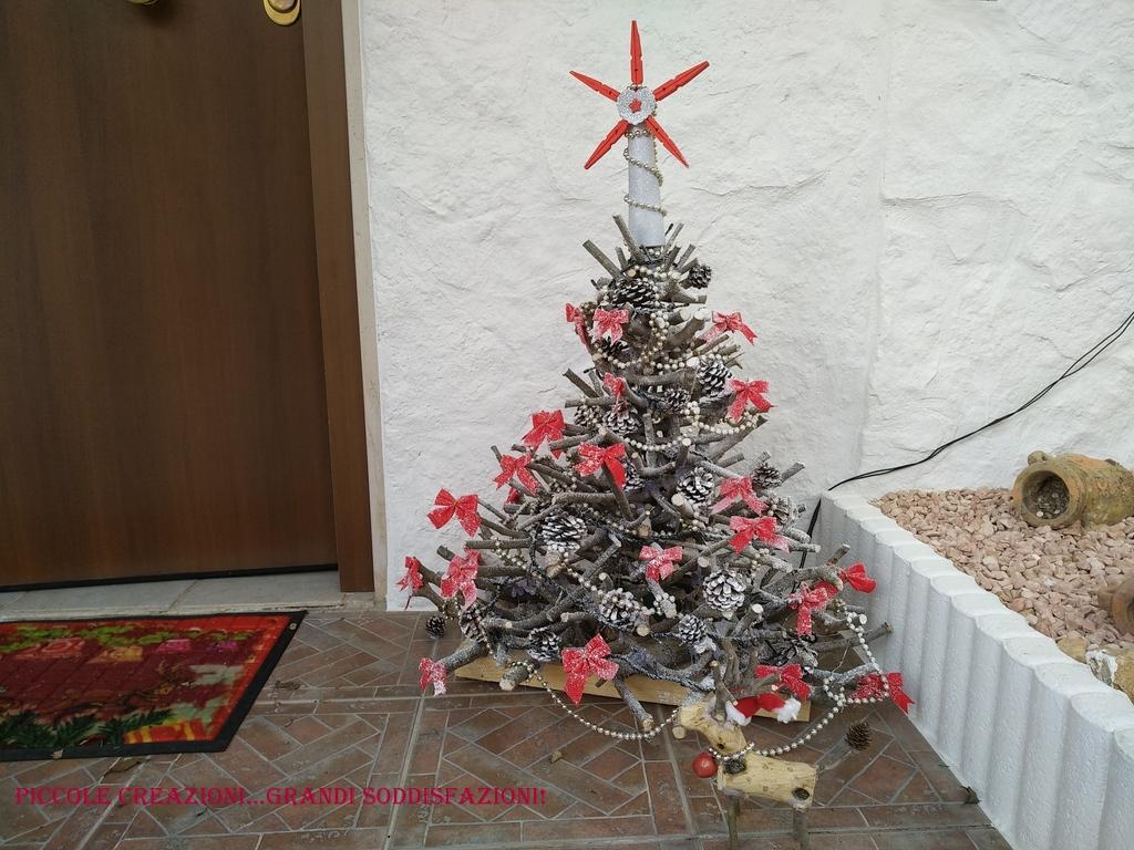 Albero di Natale con i tronchi