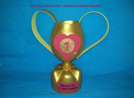 Trofeo per la festa del papà con bottiglia di plastica