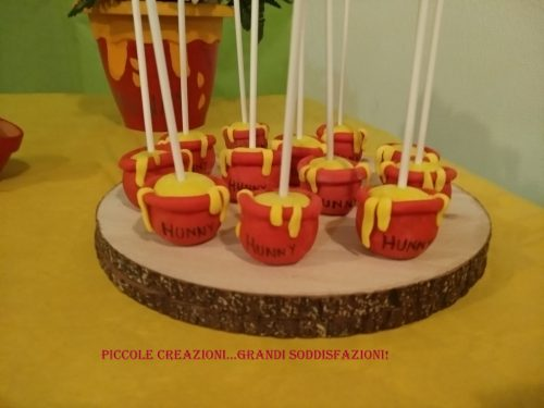 Cake pops a tema Winnie the Pooh